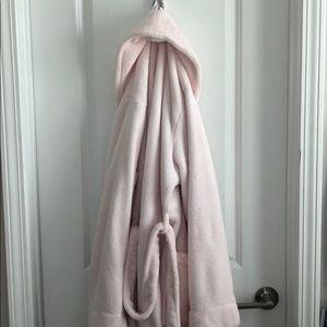Super Comfy robe!!